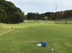 カレドニアンゴルフクラブで練習&ハーフプレー!!